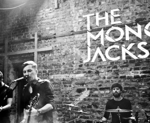 "The Mono Jacks, ""Primul care contează!"""