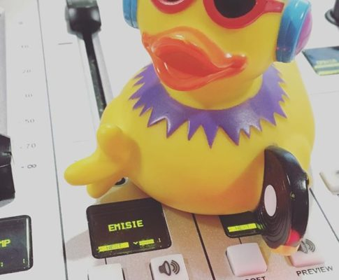 #lifeat650 #ducklife #duck #dj #morning #tuesday #tuesdaymorning #radio #radiolife #radioguerrilla #guerrilladedimineata #on